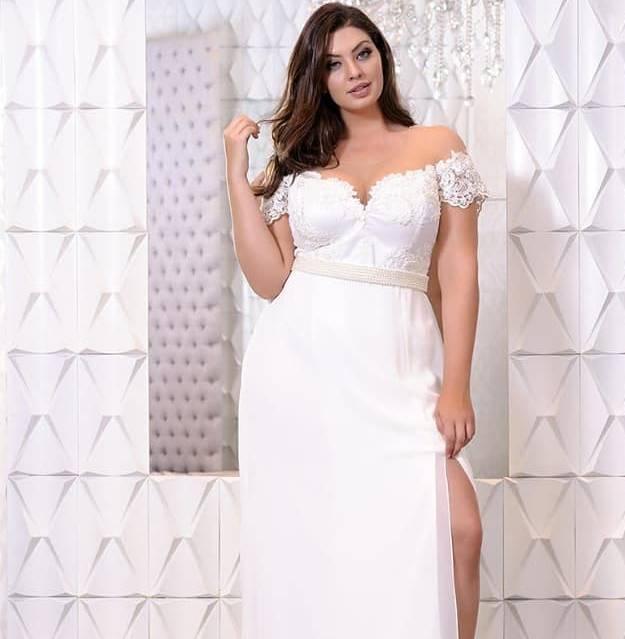 a3e683b7f8 Vestido Branco Plus Size. R  399.00