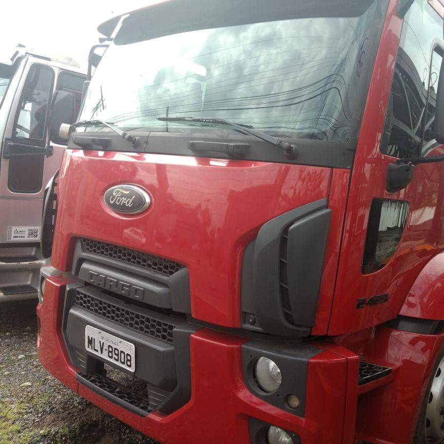 Ford Cargo 2429 6x2 ano 2013